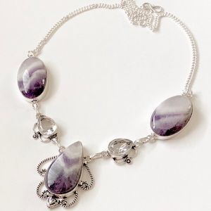 Jewelry - ✨🎈AMETHYST AND WHITE TOPAZ NECKLACE🎉